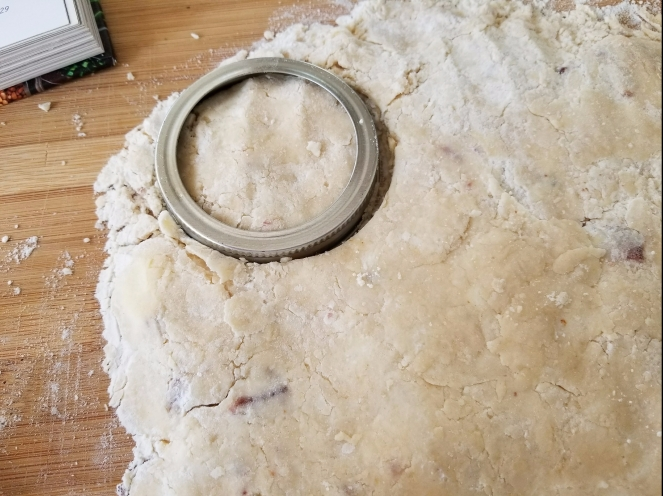 11-cutting-biscuits-with-mason-lid.jpg